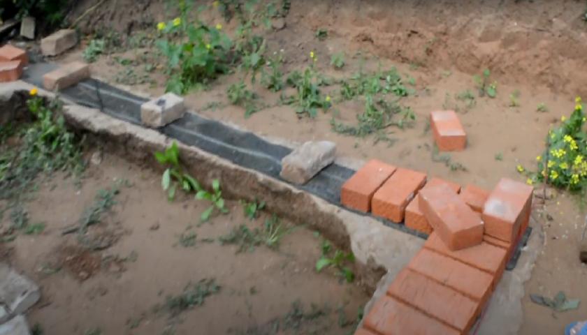 Кладка кирпича на фундамент