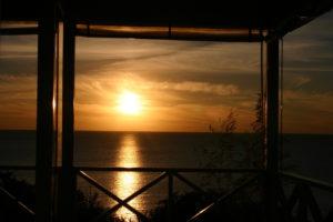 Рассвет из окна